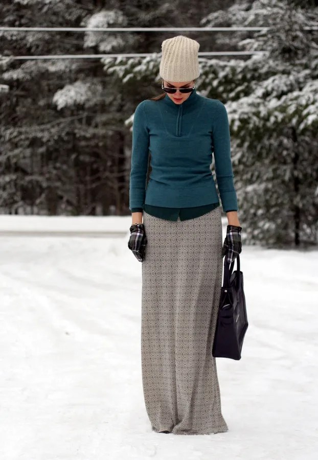 casual winter outfit ski sweater maxi skirt