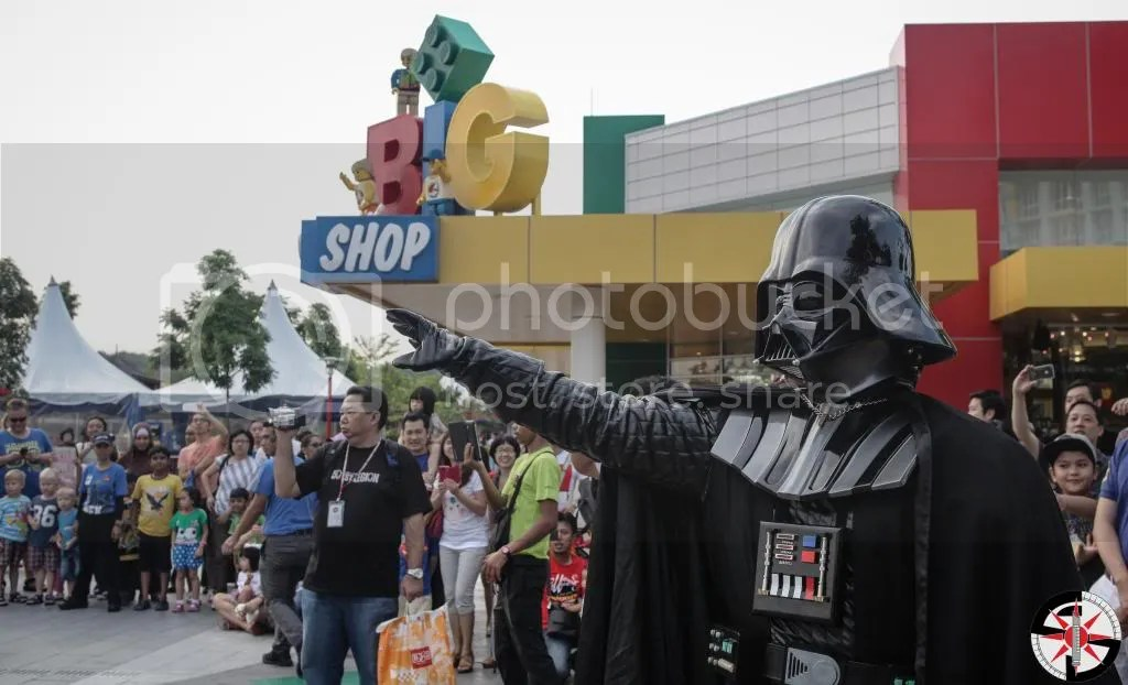 Darth Vader lending a hand