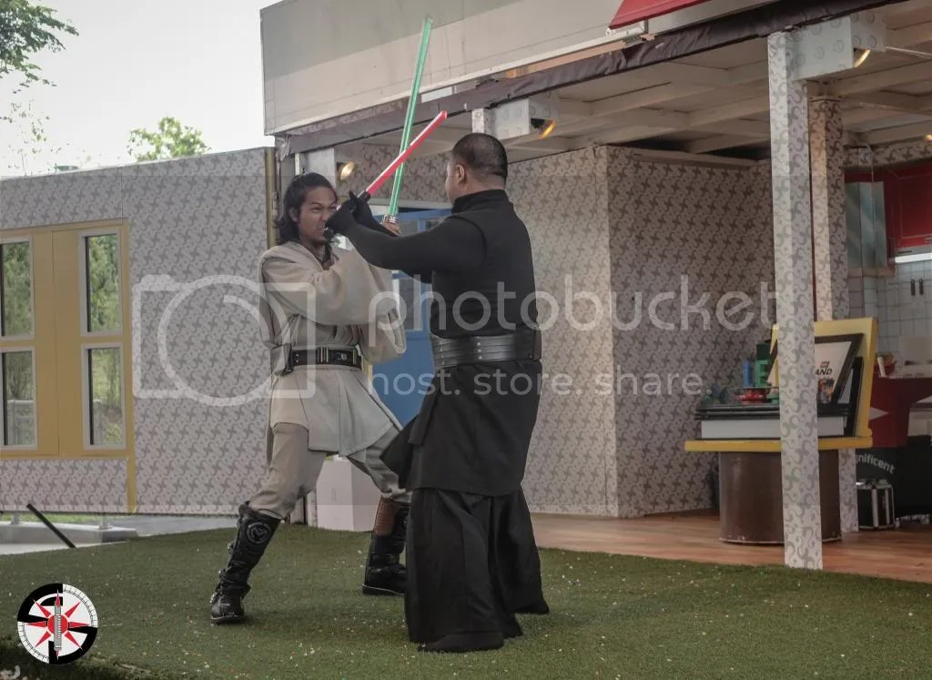 Sas-Ejiid and Darth Zednar going at it