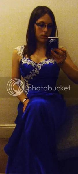 https://i1.wp.com/i1226.photobucket.com/albums/ee408/RowenaFW/Cake%20pictures/Wedding%20dress/P3310033.jpg