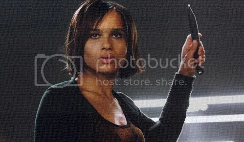 Zoe Kravitz Divergent Christina throwing knives