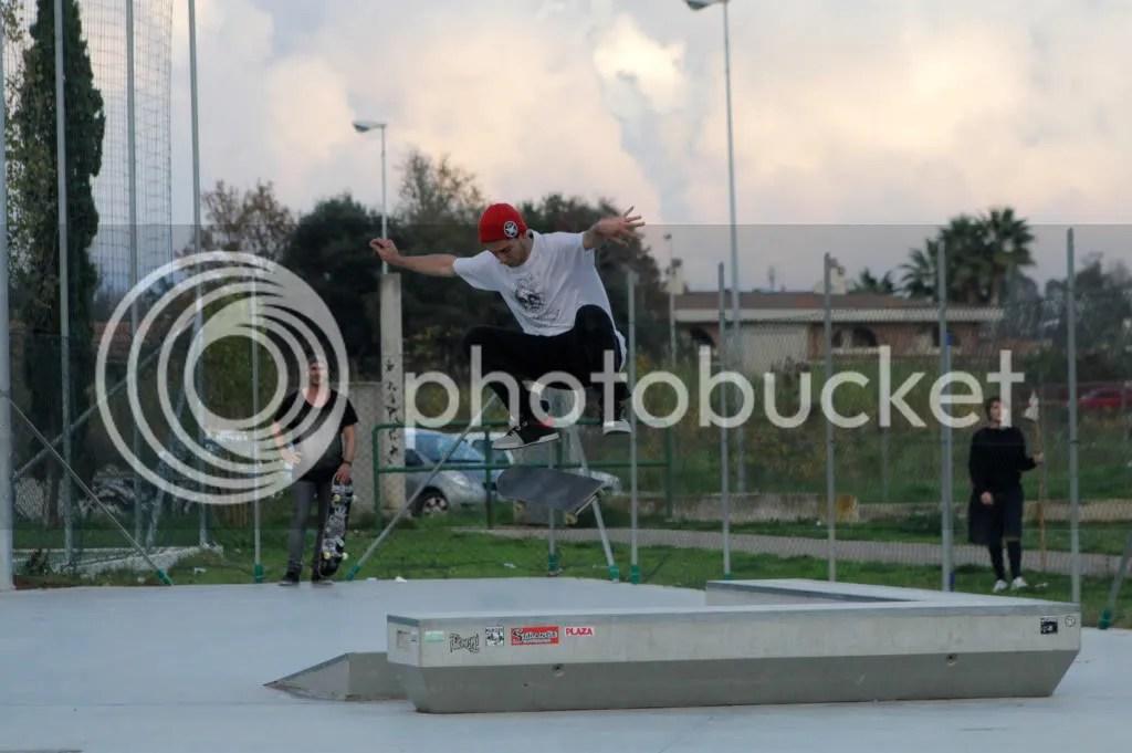 Pomezia kickflip