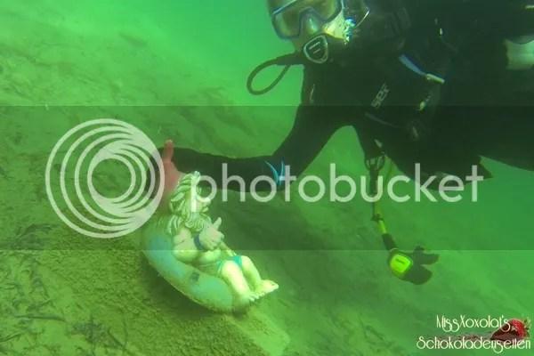 seltsamen Unterwasser-Wesen im Neufelder See