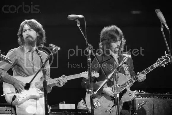 George Harrison & Eric Clapton While My Guitar Gently Weeps