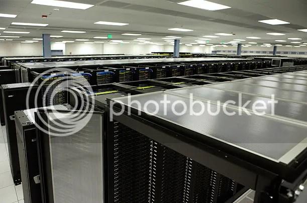 Inside A Facebook Server Farm... (1/6)
