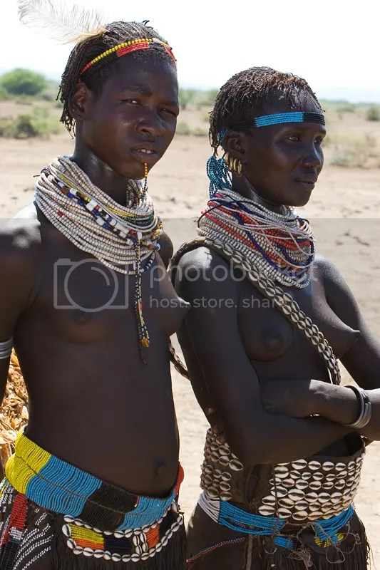 photo 16720-20Young20women20from20the20Nyangatom20tribe_zpsr7r6xcqn.jpg