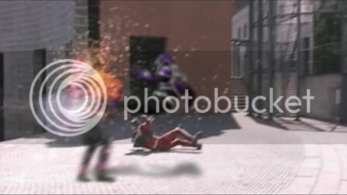 Raia recebendo o ataque mortal de Ohja!
