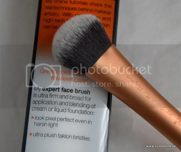 RealTechniquesExpertFacebrush photo DSC_0019-1_zps3b505628.jpg