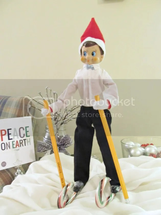 elf on the shelf skiing