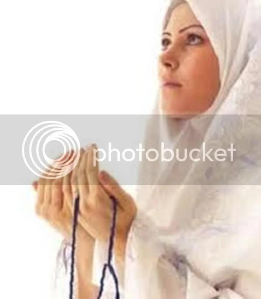 Muslimah Berdoa