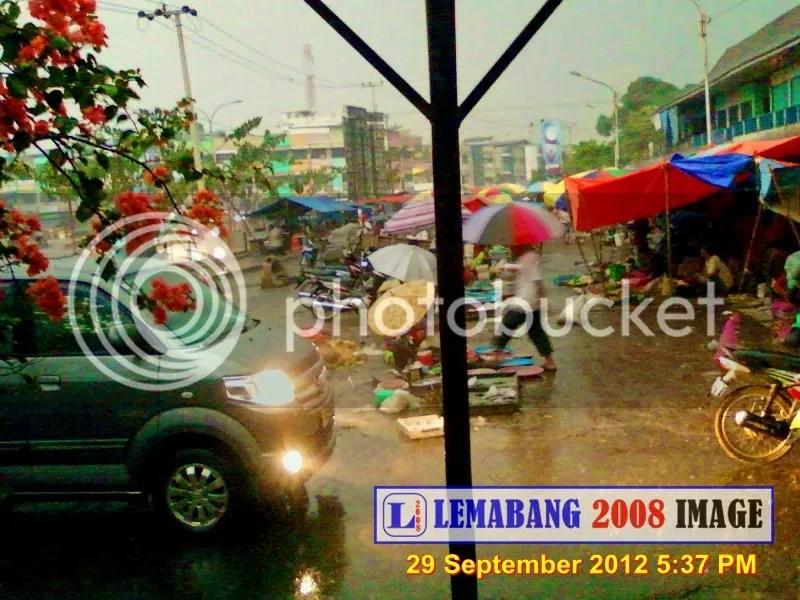 Hujan Mengguyur Lemabang