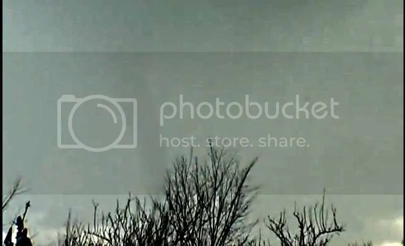 small  tornado  spotted  in  Serbia photo smalltornadospottedinServia_zps2be7b312.jpg