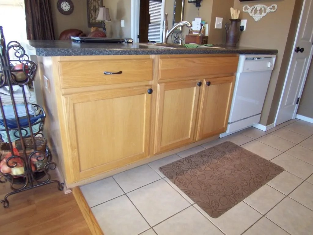 Yes You Can Paint Your Oak Kitchen Cabinets! / HomeStagingBloomingtonIL