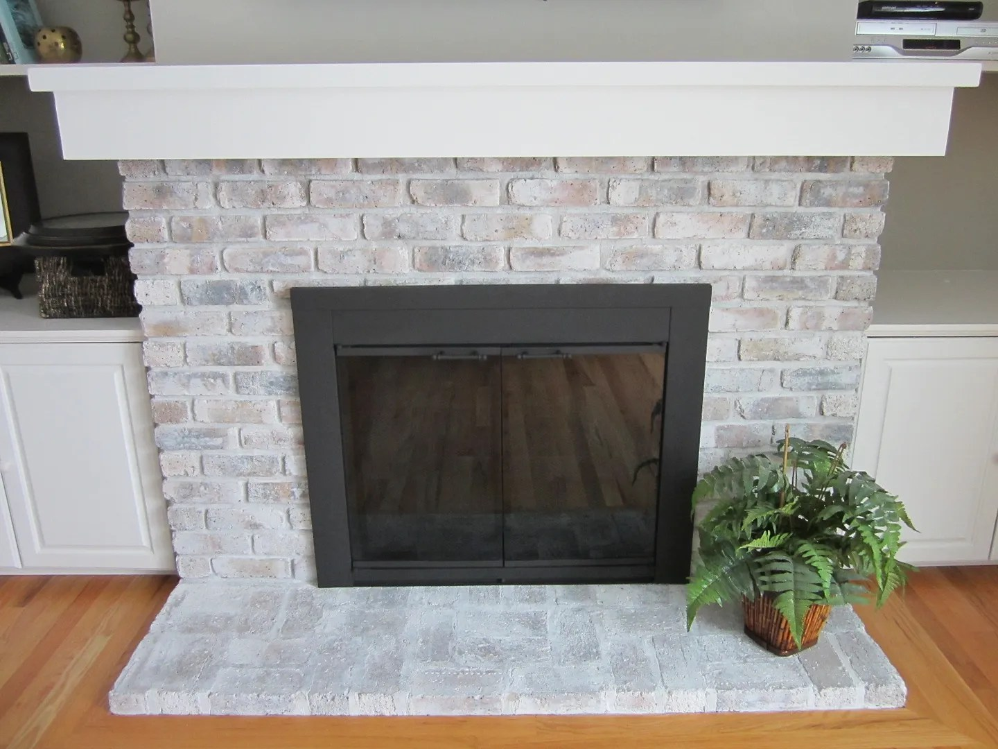How to Whitewash a Fireplace / HomeStagingBloomingtonIL.wordpress.com