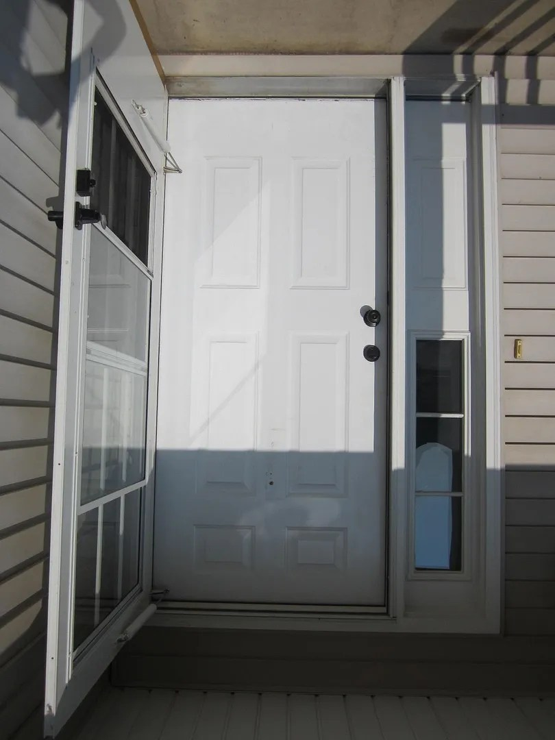 Paint Your Front Door to Boost Curb Appeal / HomeStagingBloomingtonIL