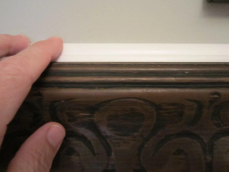 Turn a Vintage Picture Frame Into Decorative Trim / HomeStagingBloomingtonIL