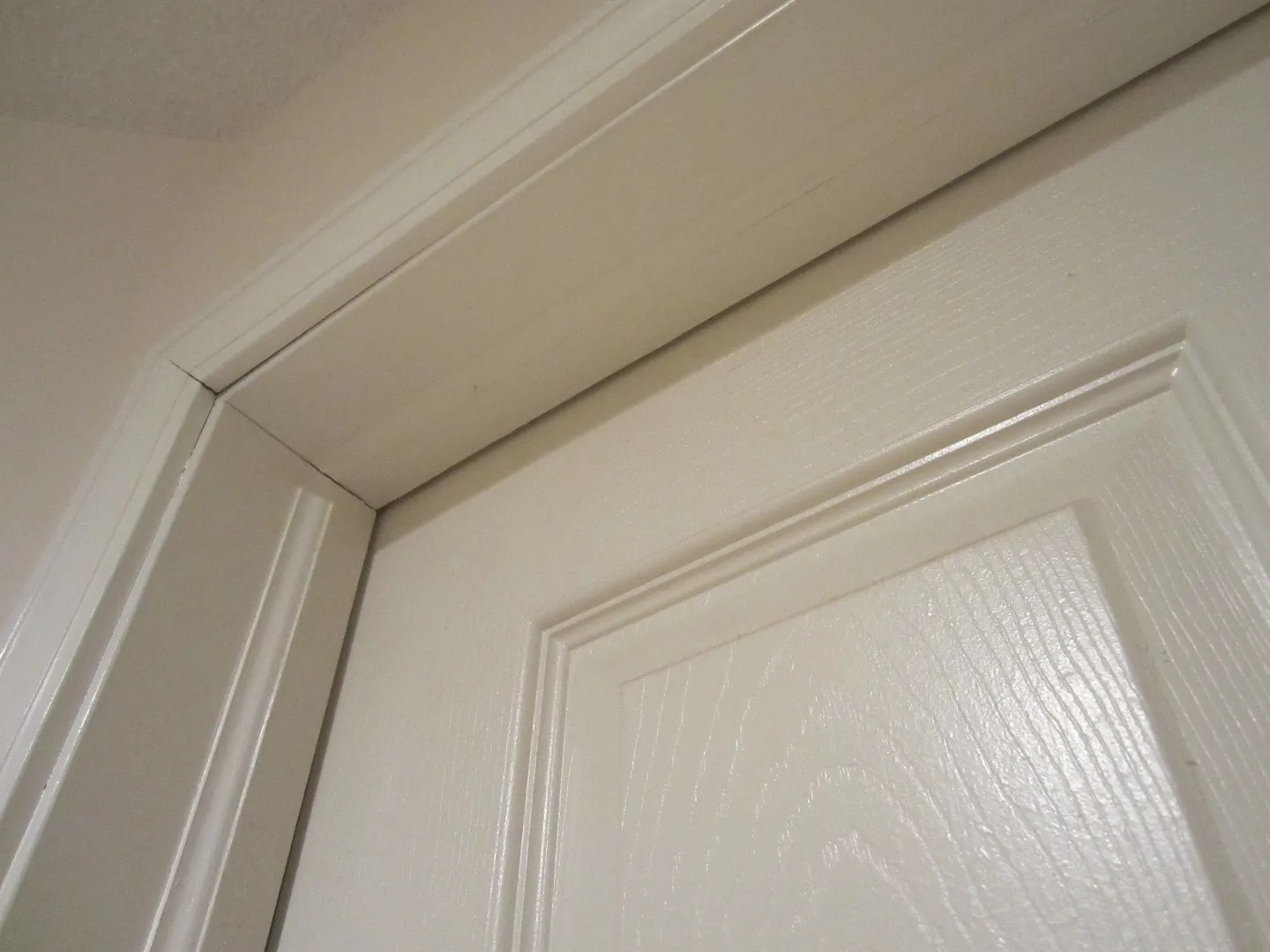 How to Un-stick a Sticky Interior Door / HomeStagingBloomingtonIL