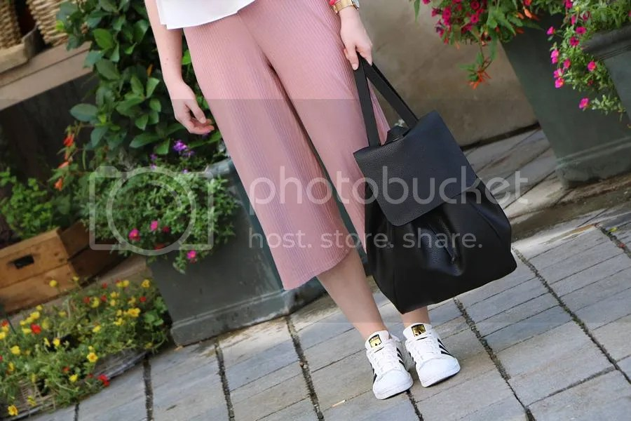 photo oliviasly_bratislava_outfit_adidas_culotte_bershka4_zpshlpddwe3.jpg