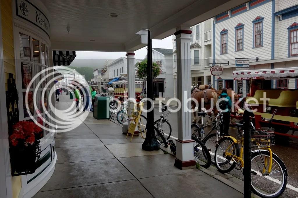 photo Main Street Mackinac_zpspj4b7nrx.jpg