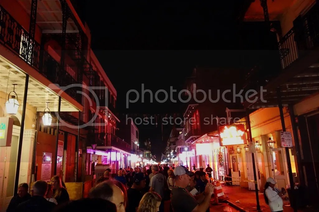 photo Bourbon Street New Orleans_zpss2w7iqhz.jpg