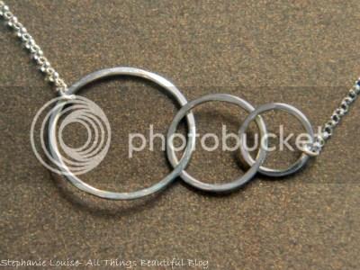 photo Freshie-amp-Zero-Silver-Loop-Necklace-02_zps5ad92332.jpg