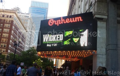 Wicked Green Glitter Eye Makeup Orpheum Theater Review Glamour Doll Eyes