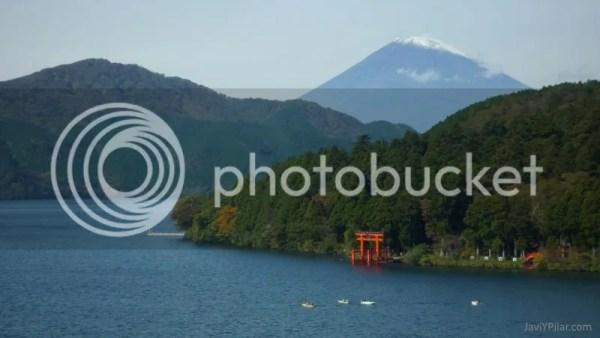 Festivos de Japón: El Día de las Montañas. Foto: el Monte Fuji visto desde el lago Ashi