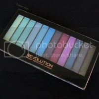 Make-up Revolution, Mermaids vs. Unicorns palette. Swatches & review