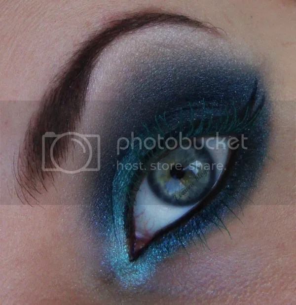 Turquoise lashes by Lisanne blogt
