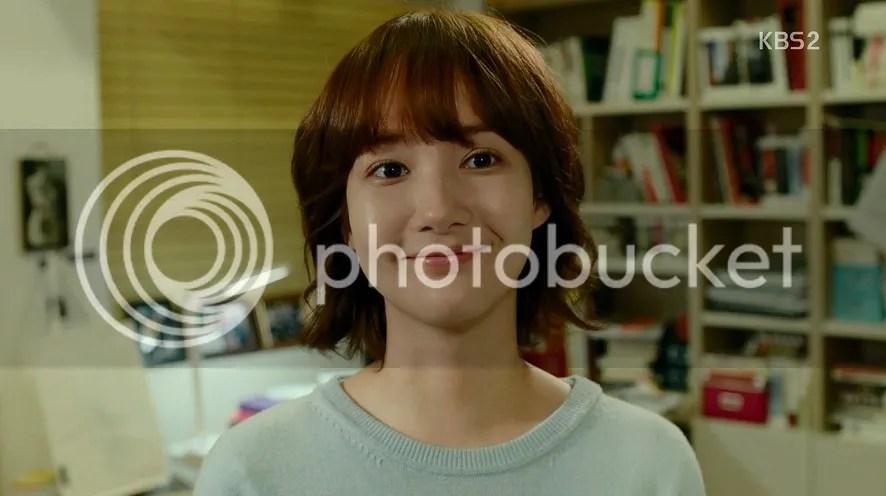 Healer Ep 1 Young Shin smiles