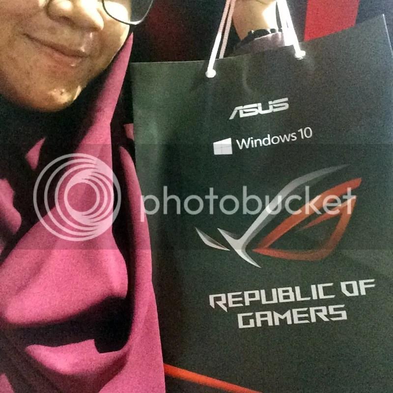 Goodie bag dari ASUS ROG BEC | Hola Darla