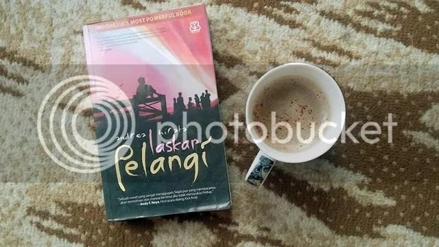 Laskar Pelangi + Cappuccino | Hola Darla