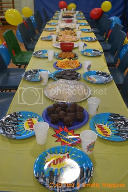 Superhero Party Table