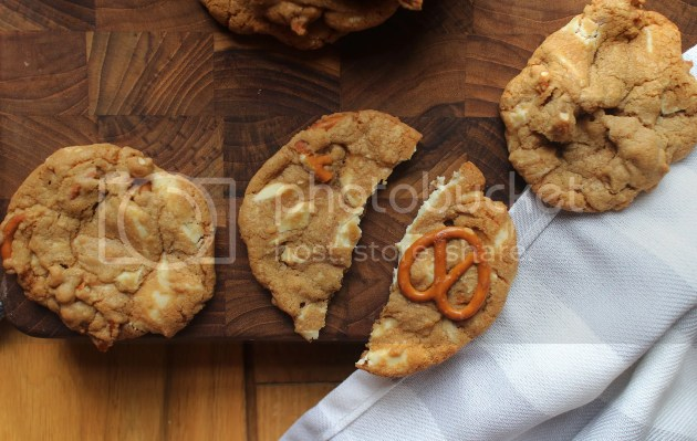 photo White Chocolate and Pretzel Cookies 23_zpswcscdcpf.jpg