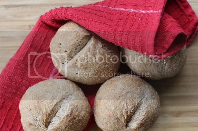 photo Wholemeal No-Knead Bread Rolls 4_zps1xzmtwiy.jpg