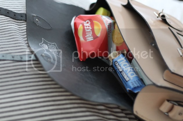 photo Whats In My Handbag - Intern Edition - 4_zpsrtuffmze.jpg