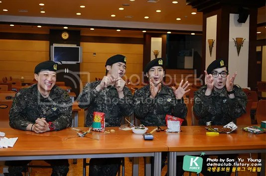photo 130424-demaclub-update-with-leeteuk-by-demaclub-tistory-com-10_zps277e2638.jpg