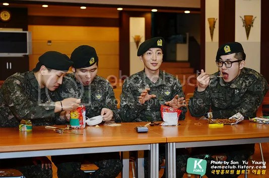 photo 130424-demaclub-update-with-leeteuk-by-demaclub-tistory-com-5_zps3ff4f79f.jpg