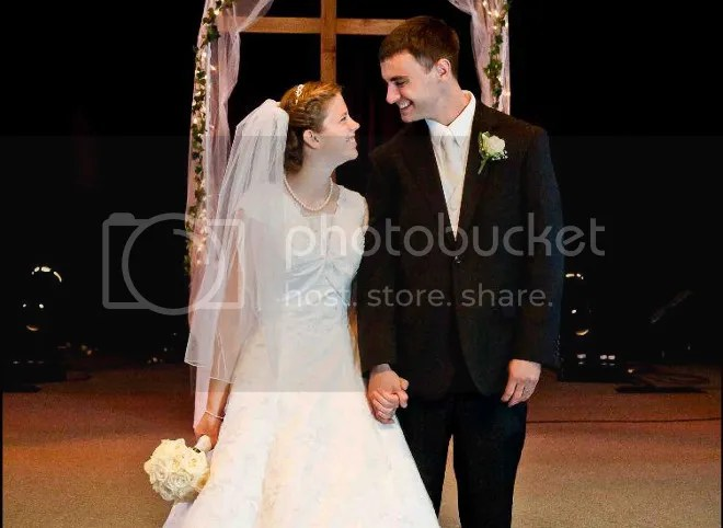 photo helpswedding_zpsad927368.jpg