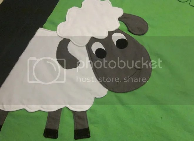 photo sheep_zpsa4baa8f1.jpg