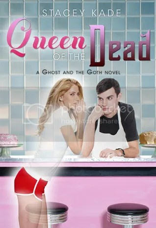 Queen of the Dead by Stacey Kade Cover - Review