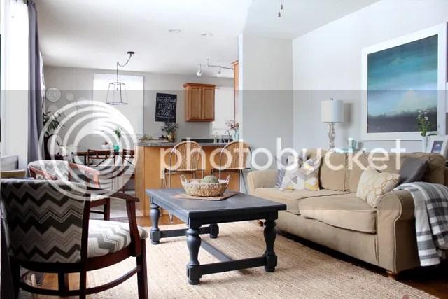 photo livingroomcoffeetable2_zpsebpsvnoz.jpg