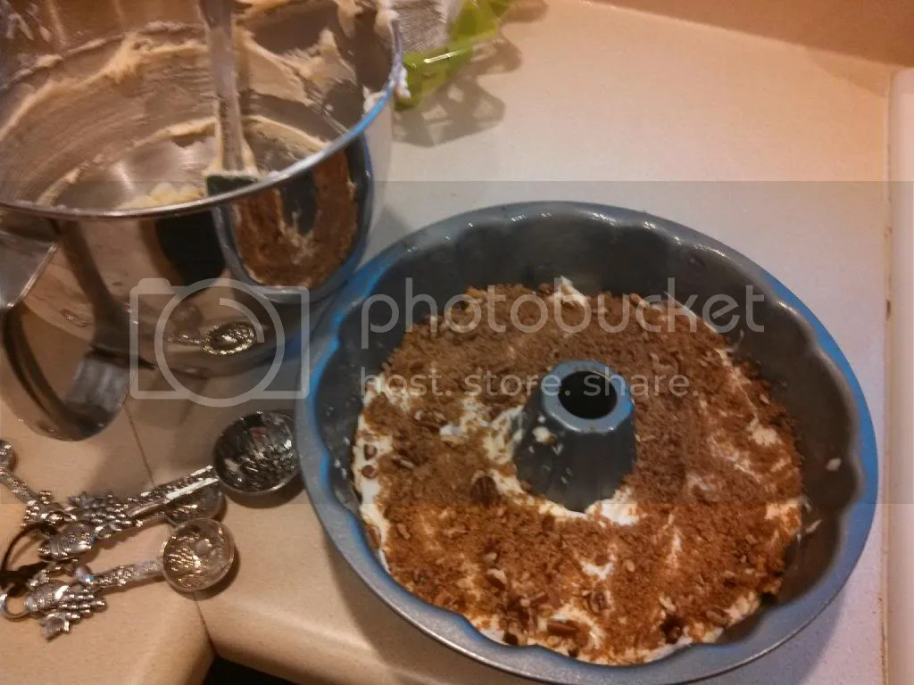 Trisha Yearwoods Sour Cream Coffee Cake