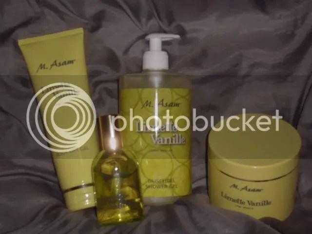 """M. ASAM """"Limette Vanille""""; 750 ml Duschgel, 100 ml Parfum, 600 g Zuckerpeeling und 250 ml Body Lift Gel."""