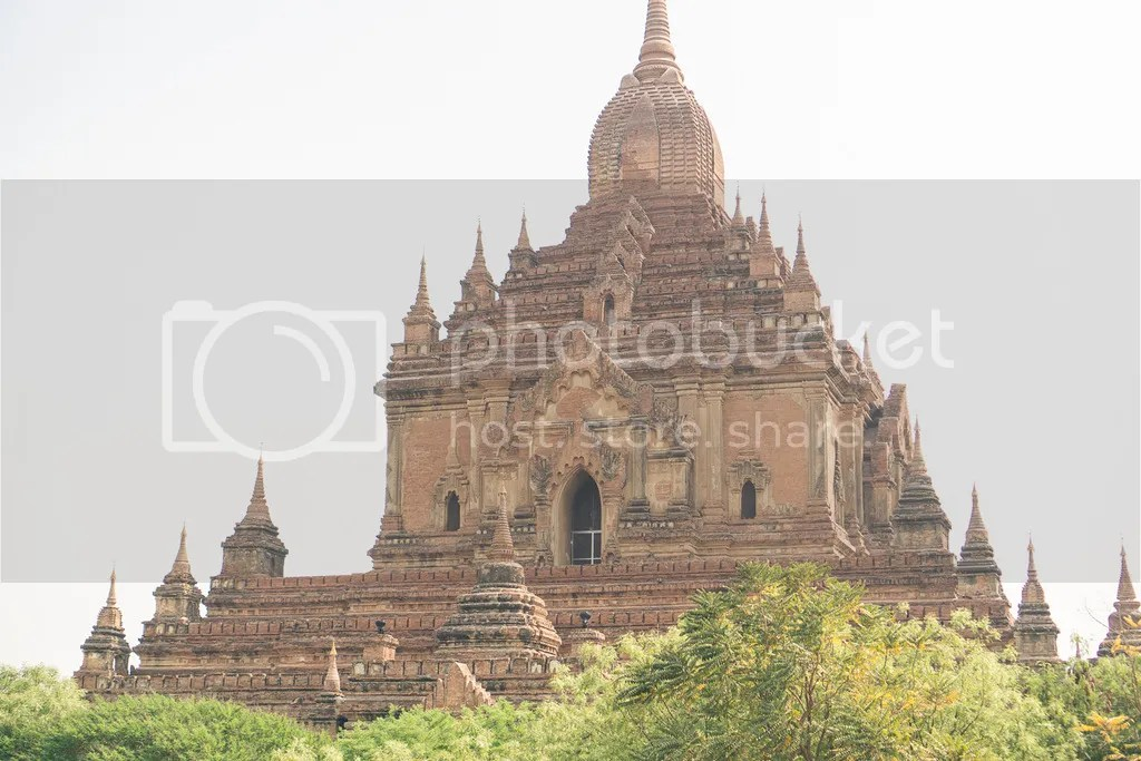 htilominlo temple in bagan myanmar