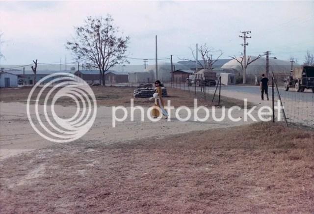 photo khoanh-khac-kho-quen-ve-quang-tri-nam-1967-hinh-6_zpsjipxee3k.jpg