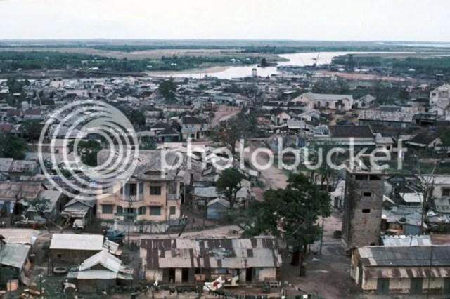 photo khoanh-khac-kho-quen-ve-quang-tri-nam-1967-hinh-7_zpsmg1iwdq0.jpg