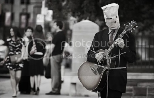 photo paper-bag_guitarist_medium_01_zpse6909dd3.jpg