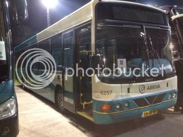 Cambuur Fans Gooien Ruiten Bussen Twente Supporters In Casual Ultra