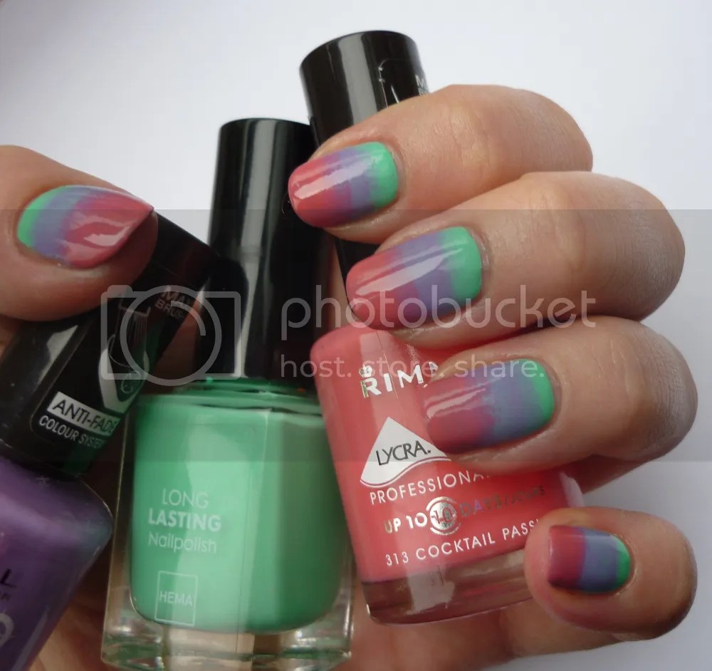 Sponge nail art ombre La Moon Nails